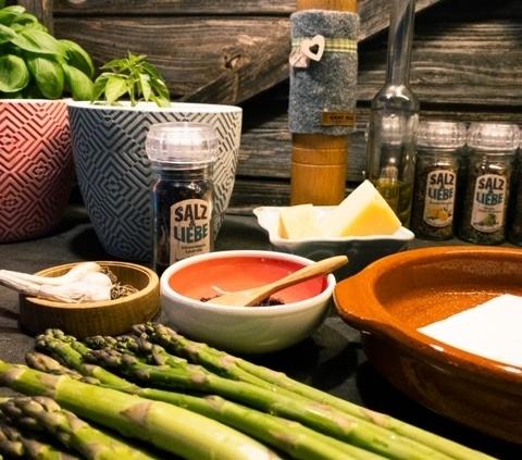 Zutaten für grünen Spargel gratiniert mit Käse