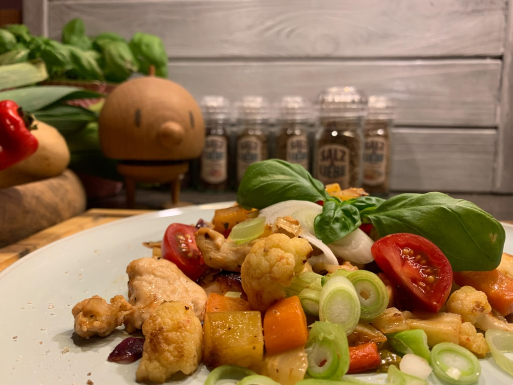 Buntes Gemüse mit Hühnchen